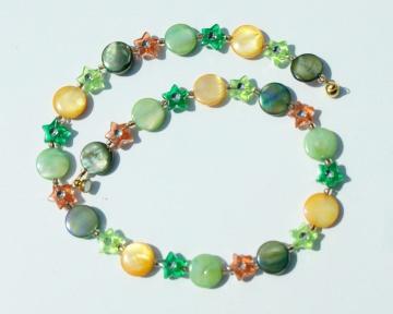 Kinderkette BUNTE WIESE  Perlmutt Sternchen grün bunt versilbert glänzend leicht romantisch  Geschenk   - Handarbeit kaufen