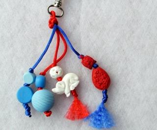 Taschenbaumler SCHWEIN GEHABT  rot  blau Schlüsselanhänger  - Handarbeit kaufen