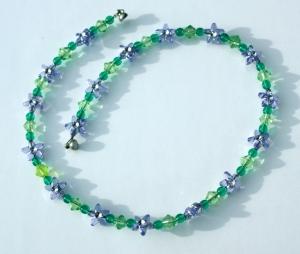 Kinder Halskette BLÜTEN- STERNE flieder grün  leicht romantisch