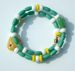 Kinder-Armband HERZEN  grün weiß gelb Spiralarmband verspielt - Handarbeit kaufen