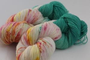 Handgefärbte klassische Sockenwolle 4-fädig SGs3 von Farbenspielerei