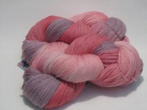 Handgefärbte Merinowolle Nr. 69 Feinheit von Farbenspielerei - Handarbeit kaufen
