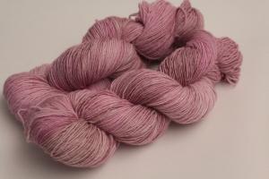 Handgefärbte Single-Merinowolle 19/11 von Farbenspielerei - Handarbeit kaufen