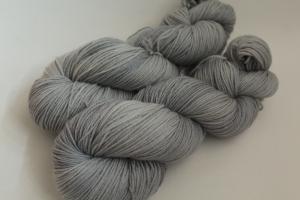 Handgefärbte Wolle Merino-Seide 19/22 von Farbenspielerei