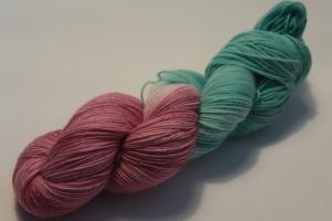 Handgefärbte klassische Sockenwolle 4-fädig 19/9 von Farbenspielerei - Weihnachtssonderedition -