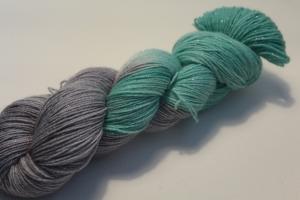 Handgefärbte Glitzer-Sockenwolle 4-fädig 19/28 von Farbenspielerei - Weihnachtssonderedition -