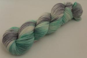 Handgefärbte klassische Sockenwolle 4-fädig 19/31 von Farbenspielerei - Weihnachtssonderedition -