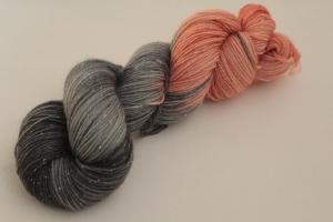 Handgefärbte Glitzer-Sockenwolle 4-fädig 19/34 von Farbenspielerei - Weihnachtssonderedition -