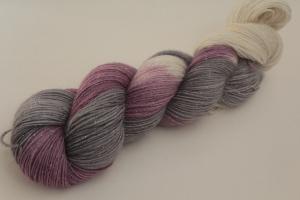 Handgefärbte Glitzer-Sockenwolle 4-fädig 19/36 von Farbenspielerei - Weihnachtssonderedition -