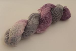 Handgefärbte Glitzer-Sockenwolle 4-fädig 19/38 von Farbenspielerei - Weihnachtssonderedition -