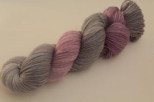 Handgefärbte klassische Sockenwolle 4-fädig 19/39 von Farbenspielerei - Weihnachtssonderedition -