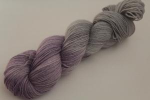 Handgefärbte Glitzer-Sockenwolle 4-fädig 19/44 von Farbenspielerei - Weihnachtssonderedition -