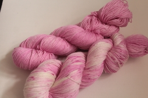 Handgefärbte Wolle Merino-Seide-Ramie Set 20/12 Pascuali Pinta von Farbenspielerei - Handarbeit kaufen