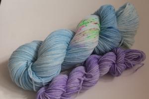 Handgefärbte Kuschel-Sockenwolle Set 20/4 (nicht nur für Socken) von Farbenspielerei