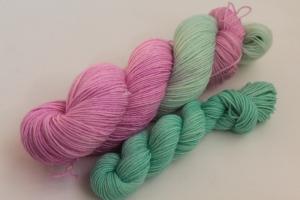 Handgefärbte klassische Sockenwolle 4-fädig Set O-20/1 von Farbenspielerei - Ostersonderedition -