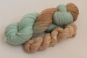 Handgefärbte klassische Sockenwolle 4-fädig Set O-20/3 von Farbenspielerei - Ostersonderedition -