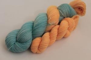 Handgefärbte klassische Sockenwolle 4-fädig Set O-20/7 von Farbenspielerei - Ostersonderedition -