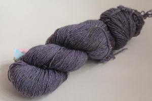 Handgefärbte Glitzer-Sockenwolle 4-fädig Nr. 220 von Farbenspielerei - Pflanzengefärbt - Handarbeit kaufen