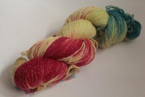 Handgefärbte Glitzer-Sockenwolle 4-fädig Nr. 189 von Farbenspielerei