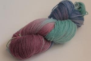 Handgefärbte klassische Sockenwolle 4-fädig Nr. 187 von Farbenspielerei - Handarbeit kaufen