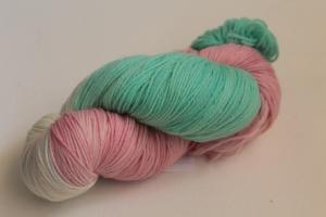 Handgefärbte Kuschel-Sockenwolle Nr. 304 (nicht nur für Socken) von Farbenspielerei  - Handarbeit kaufen