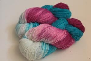 Handgefärbte Kuschel-Sockenwolle Nr. 276 (nicht nur für Socken) von Farbenspielerei