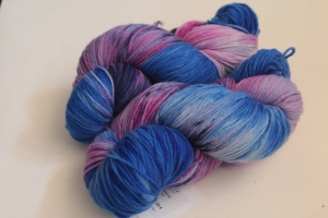 Handgefärbte Kuschel-Sockenwolle Nr. 307 (nicht nur für Socken) von Farbenspielerei - Handarbeit kaufen
