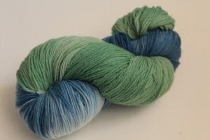 Handgefärbte Kuschel-Sockenwolle Nr. 281 (nicht nur für Socken) von Farbenspielerei  - Handarbeit kaufen