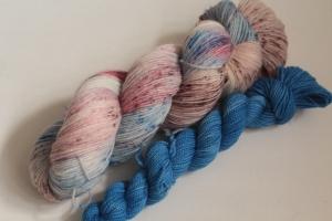 Handgefärbte klassische Sockenwolle 4-fädig Set 20/13 von Farbenspielerei