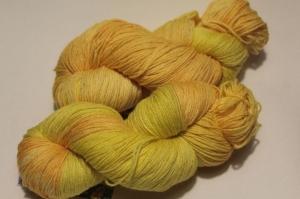 Handgefärbte Wolle Merino-Maulbeerseide Nr. 76 von Farbenspielerei - Handarbeit kaufen