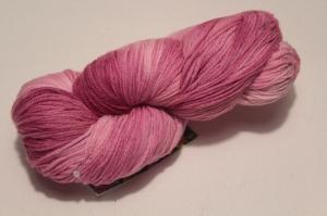 Handgefärbte Merinowolle Nr. 77 von Farbenspielerei - gefärbt mit Naturfarben - - Handarbeit kaufen