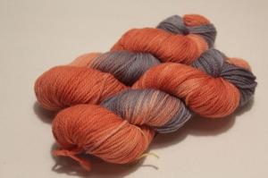 Handgefärbte Merinowolle Nr. 42 von Farbenspielerei - Handarbeit kaufen