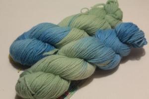 Handgefärbte Wolle Corridale von Farbenspielerei - Handarbeit kaufen