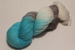 Handgefärbte klassische Sockenwolle 4-fädig Nr. 21/8 von Farbenspielerei - Handarbeit kaufen