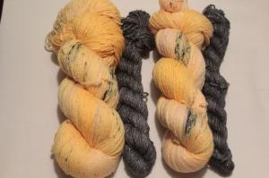 Handgefärbte Glitzer-Sockenwolle 4-fädig Set 21/15 von Farbenspielerei  - Handarbeit kaufen