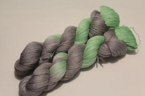 Handgefärbte Wolle Merino-Seide-Ramie 21/2 AP von Farbenspielerei