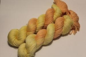 Handgefärbte Wolle Merino-Bambus-Baumwolle 21/3 AP von Farbenspielerei