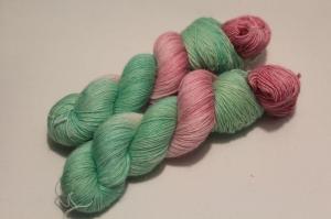 Handgefärbte Wolle Merino-Leinen 21/6 AP von Farbenspielerei