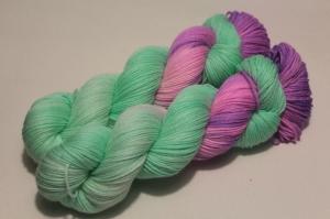 Handgefärbte Wolle Merino-Seide 21/7 AP von Farbenspielerei