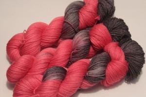 Handgefärbte Wolle Merino-Seide 21/8 AP von Farbenspielerei