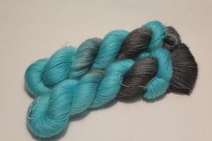 Handgefärbte Wolle Merino-Mohair 21/11 AP von Farbenspielerei
